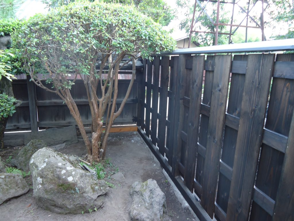 西側塀竣工